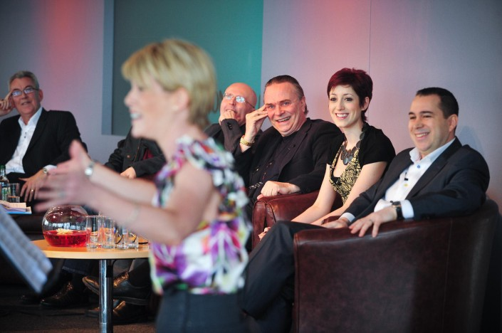 Robert_robson_braham_murray_edward_seckerson_mark_elder_connie_fisher_and_kenny_wax_watch_shona_lindsay_sing_at_the_wonderful_town_launch_at_the_lowry
