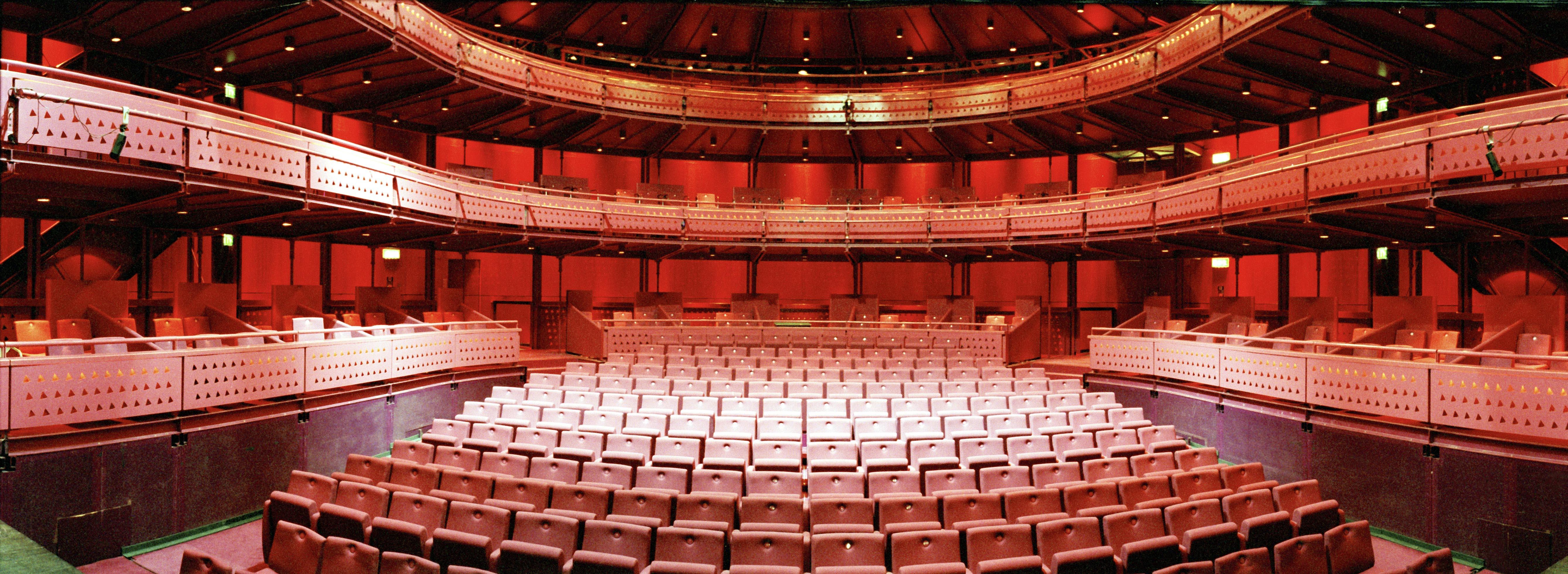 Quays Quays Theatre, ...
