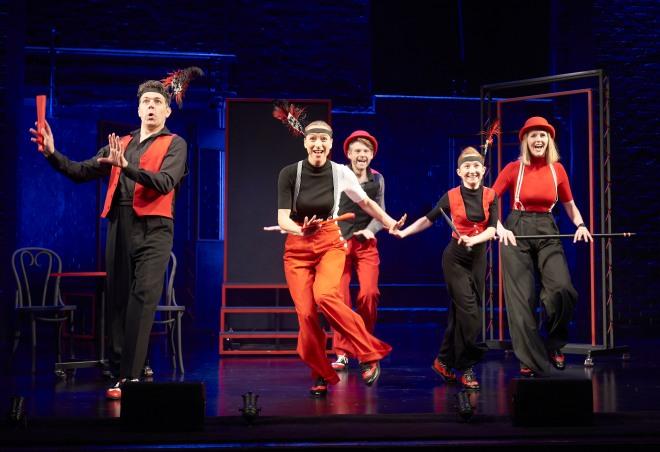 Showstopper !  Apollo Theatre  CREDIT Geraint Lewis