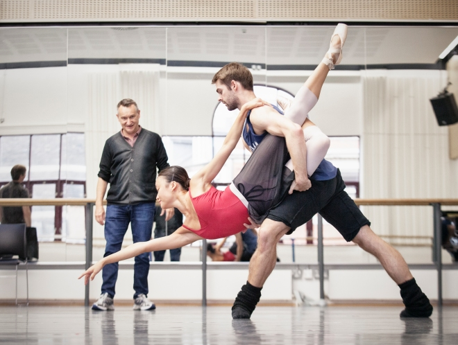 David Bintley rehearses Aladdin with Yaoqian Shang and Lachlan Monaghan (2)