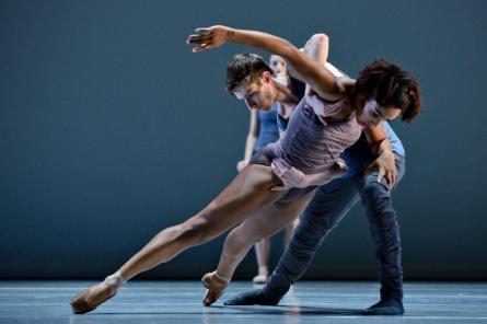 Ballet BC Dancers Livona Ellis and Darren Devaney in 16 + a room. Photo by Michael Slobodian. (1)